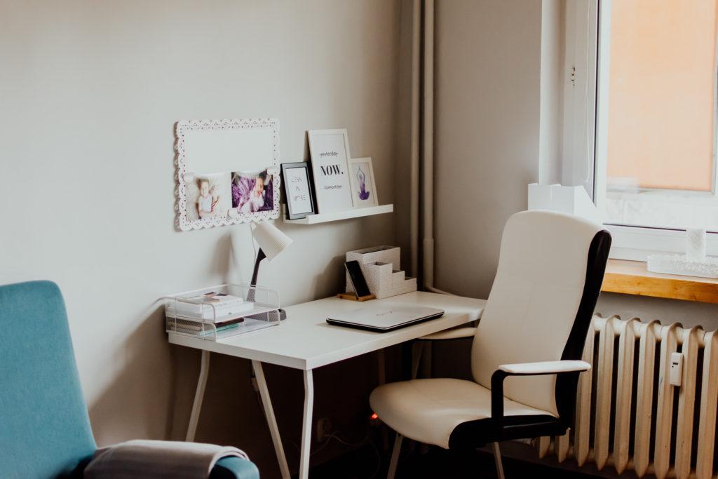Kącik biurowy w domu